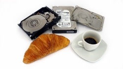 Poškozený RAID a 5x Seagate ST3000DM001 - the morning croissant breakfast